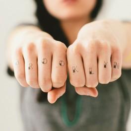 Tetovací písmena (náhled)