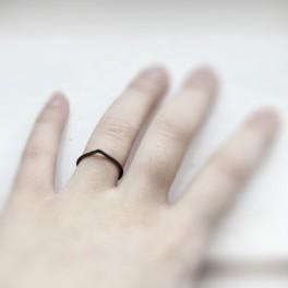 Černý prsten (náhled)