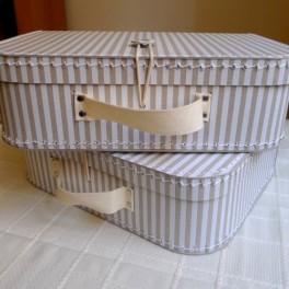 Pruhovaný kufřík (náhled)