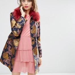 Kabát pro panenku (náhled)